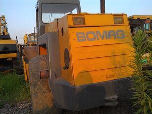 compactador de asfalto BOMAG BW217D